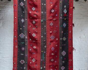 Turkish kilim - large rug - bedcover - hardwearing wool rug - red - black - 282x164cm