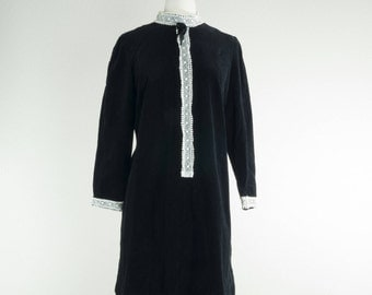 1960's Miss Adams // Velvet Shift Dress// Little Black Dress