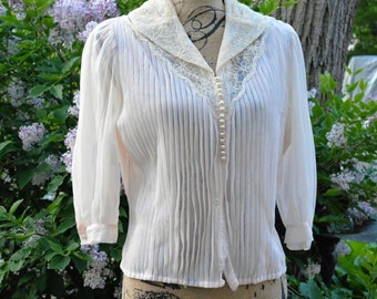VINTAGE Pleated Blouse by Debcraft, BLUSH with LACE Collar c. 1950's, size 38