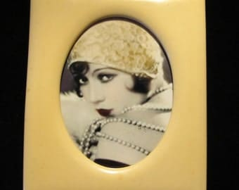 Art Deco 1920s celluloid picture frame