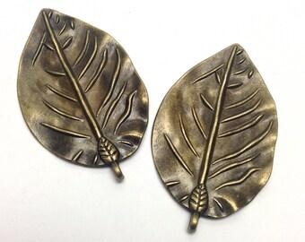 2 leaves charm bronze tone 52mm #CH 473