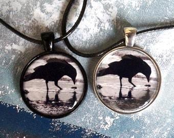 Raven on the beach - black raven - chain