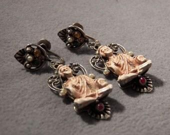 Vintage Silver Tone Fascinating Buddha Faux Pearl Jewel Earrings, So Unique!~~   **RL