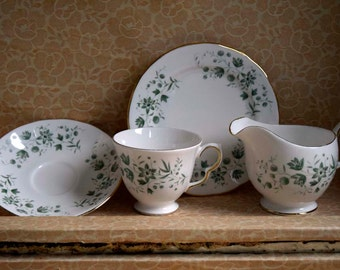 Vintage Queen Anne Bone China Made in England Pattern nr.8669 Trio and Creamer