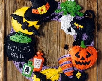 Bucilla Witch's Brew ~ Felt Halloween Wreath Kit #86563 Black Cat, Spiders, Bats DIY