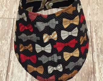 Baby/toddler reversible bib.