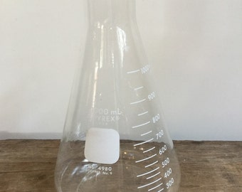 Pyrex 1000 mL Flask no.4980 Science Glass