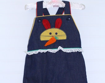 Vintage baby overalls. Blue jean overalls with yellow bunny detailing the chest. no name sz 12-18 mo