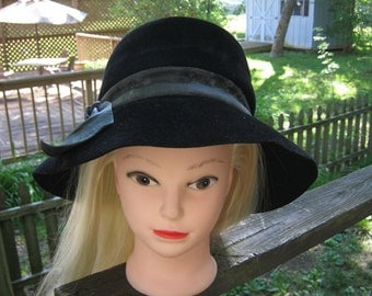Lucila Mendez Black Wool Hat With Grey Blue Leather Like Band,Wide Brim Cloche Hat, 1970's Hat