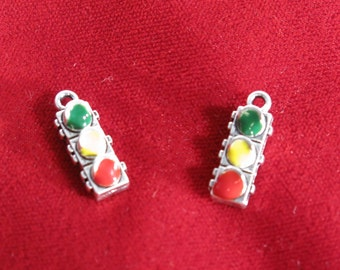 "BULK! 15pc ""traffic light"" charms in antique silver style (BC779B)"