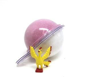 Pokebomb Bath bomb with random toy inside tropical scented
