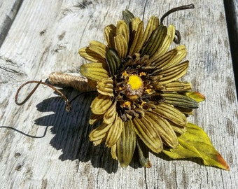 Boutonniere,  Olive Daisy Boutonniere, French Country boutonniere, French boutonniere, olive boutonniere, green boutonniere