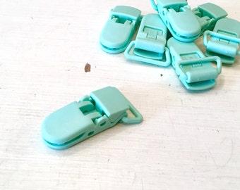 Mint pacifier clip