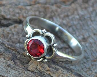 Round Cut Garnet Gemstone Ring, Set in 925 Sterling Silver, Rich Red Ring, January Birthstone Ladies Ring Size 6 ,Filigree Garnet Ring, SLA6