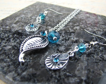 Teal Necklace and Earrings