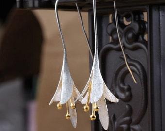 FREE SHIPPING* 925 Sterling Silver Elegant Flower Drop Earrings