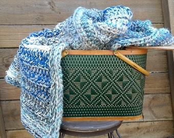 Blanket, Crochet blue blanket, fringe blanket, light blue blanket, gray blanket, gray and blue fringe blanket