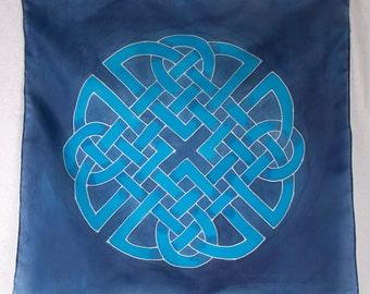 Blue Celtic Knotwork Tarot or Altar cloth