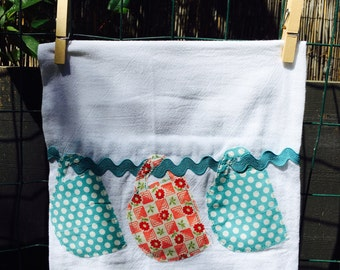 Tea towel with a 3 hanging mugs cotton flour sack
