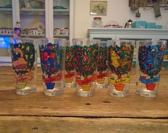 SALE-Vintage 12 Days of Christmas Drinking Glasses