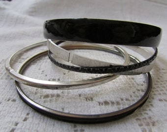 Vintage 60's skinny metal bangle bracelets black and silver  lot of 5