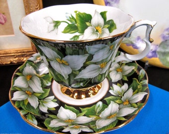 Royal Albert tea cup and saucer Flora series Trillium pattern teacup
