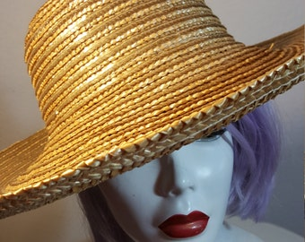 FREE  SHIPPING    Vintage 1980 Wide Brim Straw Hat