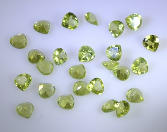 peridote loose gemstones 1 Pieces 6 x 6 mm Trillion Green faceted Gemstone STPRE-60015