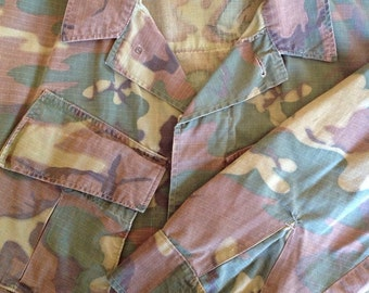 Vietnam slant pocket camouflage shirt  size Medium Short