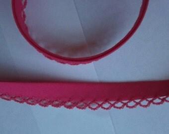 Bias binding with crocheted trim/crochet pink