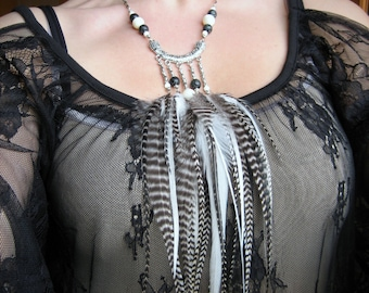 Necklace Opulence, Jade Tibetan engraved, mother-of-Pearl natural and coq feathers