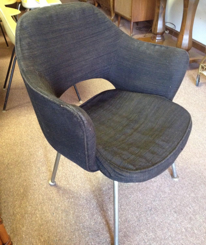 Vintage Eero Saarinen Knoll Associates Black Chair Midcentury