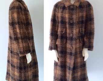 AMBER TWEED Vintage 50s 60s Gold Black and Brown Plaid Wool Boucle Long Winter Coat by Davidow for I Magnin. Size Large