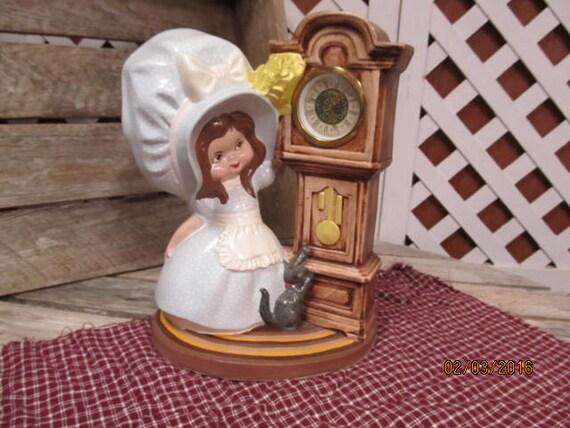 Vintage 1974 Byron Molds Little Girl In Bonnet Ceramic