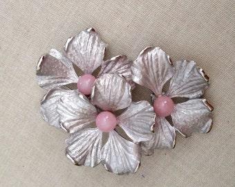 Vintage Kramer brushed silver flower brooch, pink, flower, bridal, matte silver, vintage brooch, Vintage bridal, weddings sah brooch