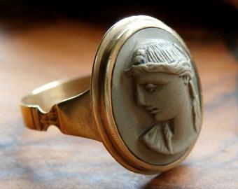 Antique Georgian Era Gold Gilt Cameo Ring - Italian Pale Green Lava Stone Bust of Roman Goddess Venus Circa: 1820 (K73)