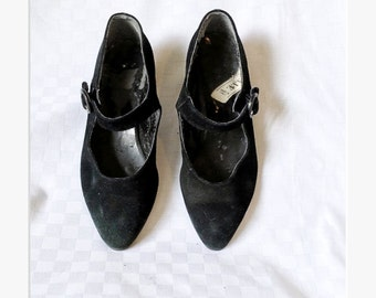 Vintage 80s/1980s black suede shoes Mary Janes kitten heels Pointy toes Flats EU 37 US 6,5 UK 4