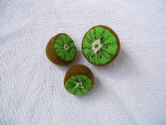 Kiwi needle felted kiwis set of 3 felt fruits home decor for Decoration kiwi