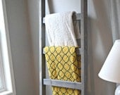 Blanket Ladder | Large Rustic Wood Quilt Ladder | Weathered Gray Stained | Towel Hanger | Living Room Decor | Bathroom Decor | Chunky Ladder