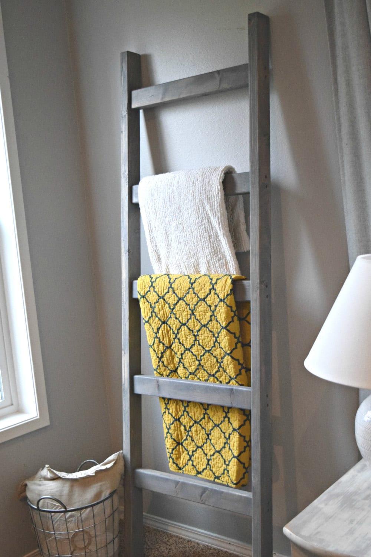 Blanket ladder large rustic wood quilt ladder by stumpandtwig for Living room quilt