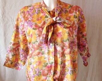 Shirt / Blouse vintage, flowers, 1/2 Sleeve printing, Sybil, T 44.