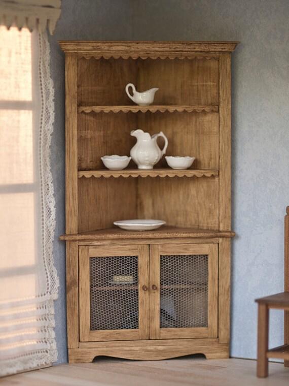 Alacena esquinera de madera en miniatura para casas de mu ecas for Mesa de cocina esquinera