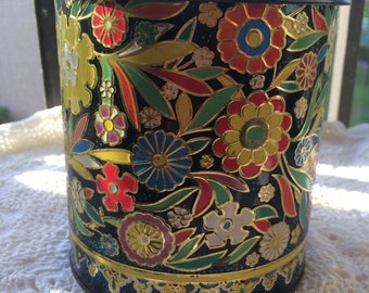 1960s vintage tin by Daher