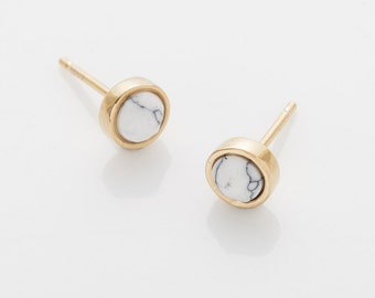 Howlite Cone 5mm Stud Earring, White Marble earring, Polished Gold -Plated - 2 Pieces [G0147E-PGHW]