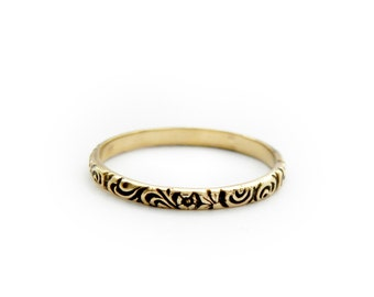 Delicate 14k solid gold band ring with floral ornament, stackable gold ring