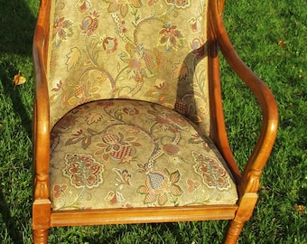Large Swan Arm Chair Fauteuil Gobelin Tapestry Carved Wood Stunning Stylish