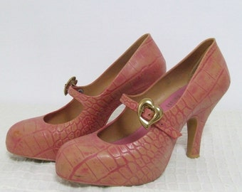 Vivian Westwood shoes, Melissa shoes, mary janes, goth shoes, high heels shoes, pumps, pink shoes, pin up shoes, gatsby shoes, mod shoes