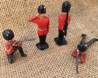 Vintage Lead British Soldiers