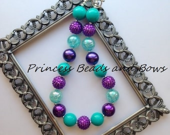 Shades of Hot Teal and Purple Chunky Necklace, Bubble Gum Necklace, Teal and Purple Bubble Necklace, Kids, Girls, Baby, Photo Prop