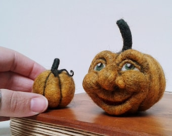Pumpkin Halloween Decoration. Needle Felted Smiling Pumpkin. Autumn/Fall/Thanksgiving/Harvest Decor. OOAK